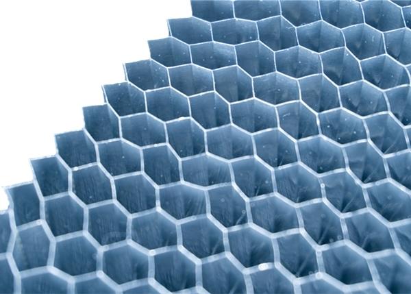双层柜体填充物-小孔蜂窝铝
